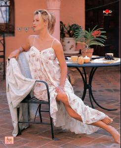 Daniela-Pestova-Feet-565484.jpg