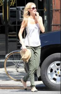 Off+duty+model+Poppy+Delevingne+seen+looking+IlJlTuGYprhl.jpg