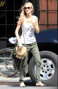Off+duty+model+Poppy+Delevingne+seen+looking+VwOl8G0TaqAl.jpg
