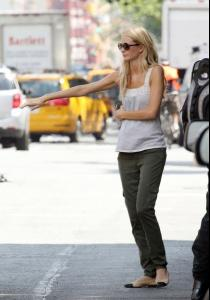 Off+duty+model+Poppy+Delevingne+seen+looking+-x6UwAM6sb6l.jpg