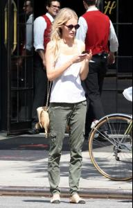Off+duty+model+Poppy+Delevingne+seen+looking+kki9GuWuNdrl.jpg