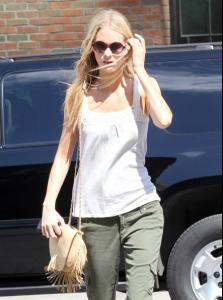 Off+duty+model+Poppy+Delevingne+seen+looking+TctUCqo7dqvl.jpg