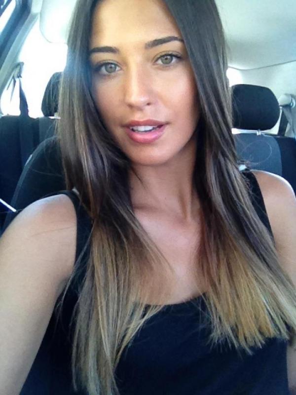 Antonia New Look Antonia Iacobescu vs T...
