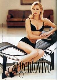 Adriana-_Karembeu-_Argentovivo-1995.jpg