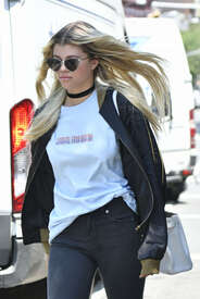 Sofia-Richie-out-in-New-York--01.jpg