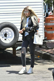 Sofia-Richie-out-in-New-York--03.jpg