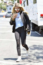 Sofia-Richie-out-in-New-York--04.jpg