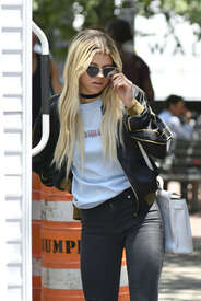 Sofia-Richie-out-in-New-York--08.jpg