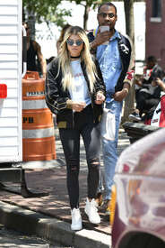 Sofia-Richie-out-in-New-York--07.jpg