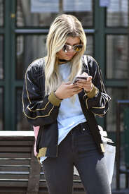 Sofia-Richie-out-in-New-York--11.jpg