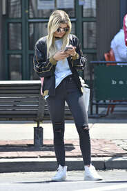 Sofia-Richie-out-in-New-York--10.jpg