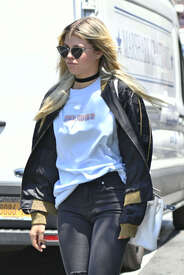 Sofia-Richie-out-in-New-York--05.jpg
