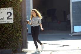 Alycia-Debnam-Carey--On-the-set-of-a-photoshoot--14.jpg