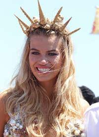 Hailey-Clauson--34th-Annual-Mermaid-Parade--13.jpg