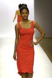 celebrity_city_Stephen_Burrows_Paris_Fashion_Show_26.jpg