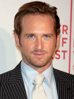 The 45-year old son of father Don Maurer and mother Michele  LeFevre, 182 cm tall Josh Lucas in 2017 photo
