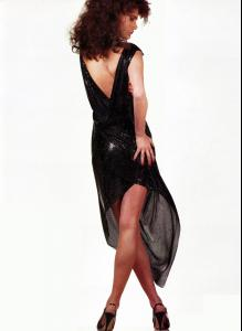 Lynne Koester in Gianni Versace Couture by Albert Watson.jpg