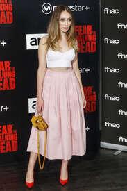 Alycia-Debnam-Carey--Fear-the-Walking-Dead-Fan-Event--11.jpg