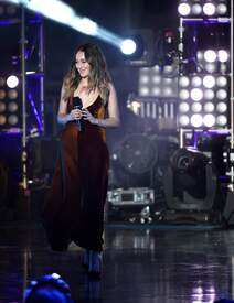 Alycia_Debnam-Carey___MTV_Fandom_Awards_in_San_Diego_July_21-2016_14.jpg