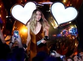 Alycia_Debnam-Carey___MTV_Fandom_Awards_in_San_Diego_July_21-2016_21.jpg
