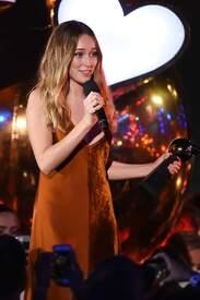 Alycia_Debnam-Carey___MTV_Fandom_Awards_in_San_Diego_July_21-2016_23.jpg