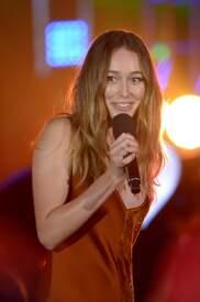 Alycia_Debnam-Carey___MTV_Fandom_Awards_in_San_Diego_July_21-2016_27.jpg