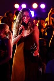 Alycia_Debnam-Carey___MTV_Fandom_Awards_in_San_Diego_July_21-2016_29.jpg