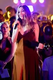 Alycia_Debnam-Carey___MTV_Fandom_Awards_in_San_Diego_July_21-2016_30.jpg