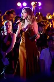 Alycia_Debnam-Carey___MTV_Fandom_Awards_in_San_Diego_July_21-2016_32.jpg