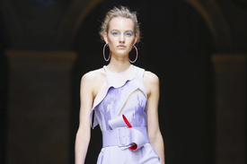 Versace_Atelier-Couture-FW16-Paris-7040-1467577625-mediumbigthumb.jpg