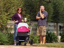 Preppie_-_Alyson_Hannigan_strolling_in_Santa_Monica_-_August_13_2009_4122.jpg