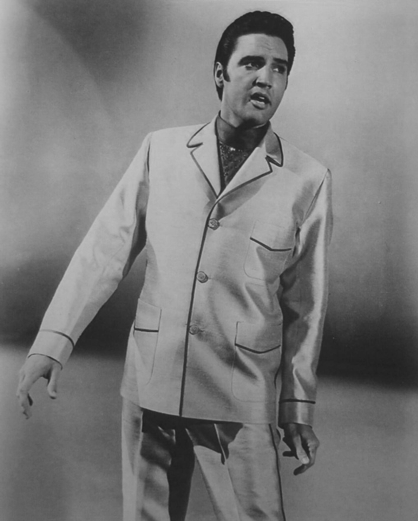 Elvis 42