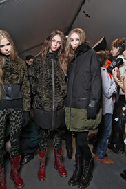 Moncler_Gamme_Rouge_Fall_2011_Backstage_zll_Nr_Dx_P.jpg