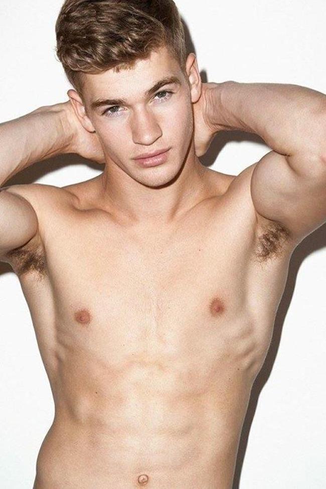 Matty Carrington - Male Fashion Models - Bellazon-4712