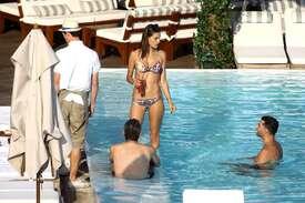 Alessandra-Ambrosio-in-Bikini--05.jpg