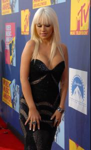 Christina_Aguilera___2008_MTV_Video_Music_Awards___Arrivals__Los_Angeles__Sept_7th__3_.jpg