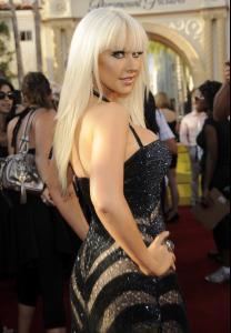 Christina_Aguilera___2008_MTV_Video_Music_Awards___Arrivals__Los_Angeles__Sept_7th__5_.jpg