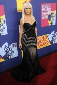 Christina_Aguilera___2008_MTV_Video_Music_Awards___Arrivals__Los_Angeles__Sept_7th__8_.jpg