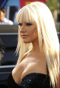 Christina_Aguilera___2008_MTV_Video_Music_Awards___Arrivals__Los_Angeles__Sept_7th__9_.jpg