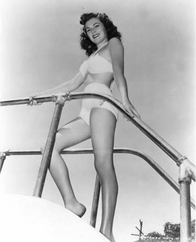 Barbara Hale Nude Pics 28
