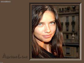 adriana_lima_20060714_066.jpg