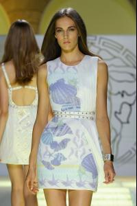 Versace_Spring_2012_y_St7_GU7_BKNVx.jpg