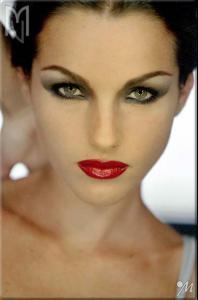red_lips_2.jpg