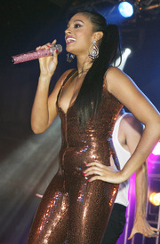 Celebutopia-Alesha_Dixon_performs_on_stage_at_G-A-Y_in_London-25.jpg
