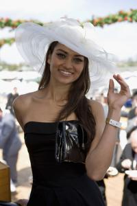 Celebrities_AAMI_Victoria_Derby_Day_62uB8_8aA7Gl.jpg