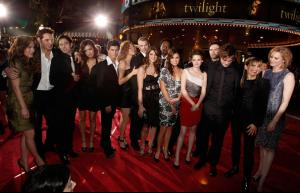 Premiere_Summit_Entertainment_Twilight_Arrivals_K295SOVwaxGl.jpg