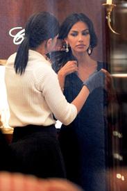 Madalina-Ghenea-Shops-Chopard-Milan-Italy-11022011-10.jpg