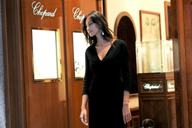 Madalina-Ghenea-Shops-Chopard-Milan-Italy-11022011-23.jpg