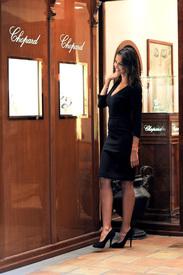 Madalina-Ghenea-Shops-Chopard-Milan-Italy-11022011-25.jpg