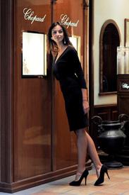 Madalina-Ghenea-Shops-Chopard-Milan-Italy-11022011-27.jpg